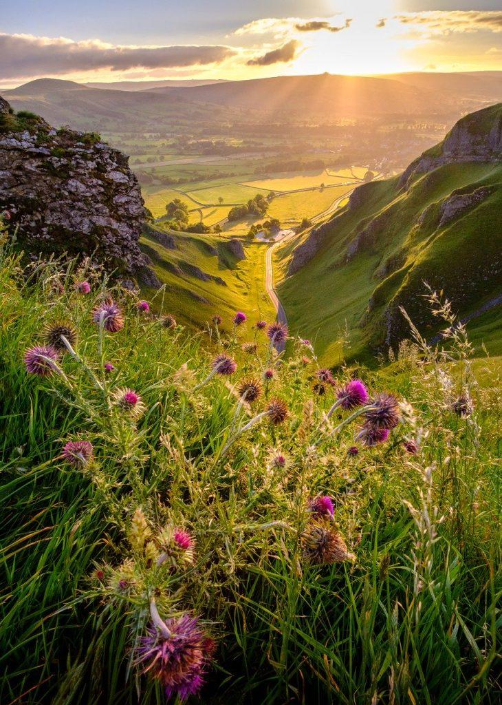 winnats pass, peak district, derbyshire